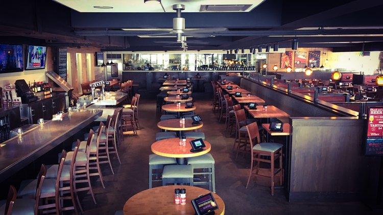 Cocktail Lounge (002).JPG