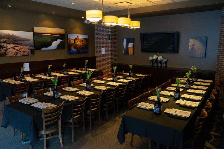 Patriots Semi Private Dining Room (002).jpg